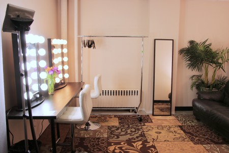 Studio 6A Makeup Room 2 - Big Apple Studios - S